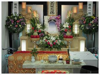 白木4段祭壇(家族葬向き)プラン