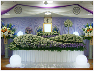 白木祭壇菊スロープ(一般葬儀向き)プラン